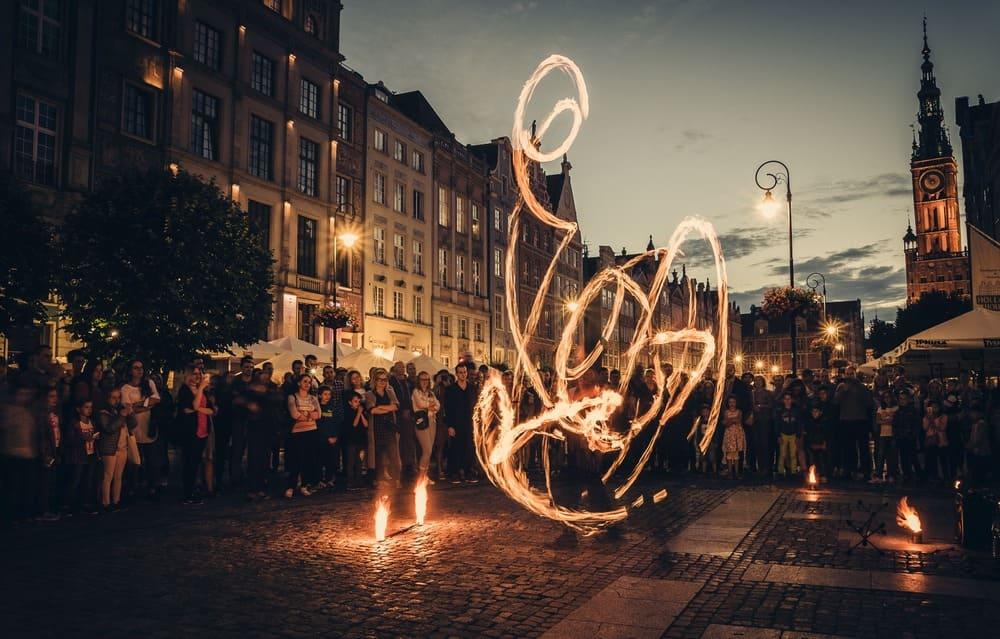 огнено шоу на улицата Львов снимка